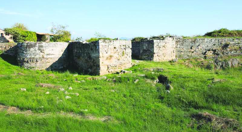 Marco CASTELNUOVO, Considerazioni sull'antico porto di Paestum.