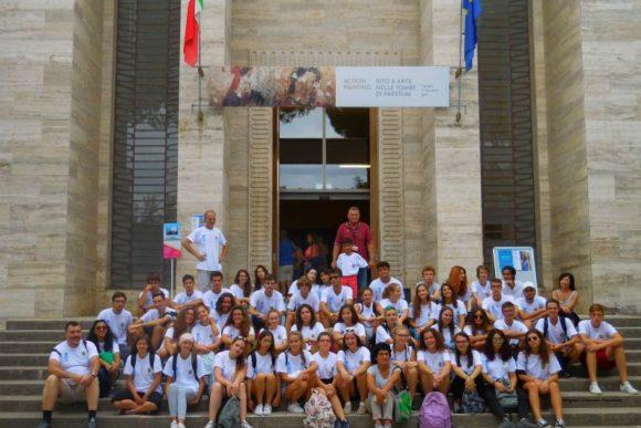 Paestum 2017, primo gruppo davanti al Museo.