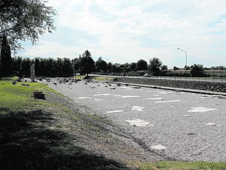 Sta per finire l'assedio ad Aquileia.