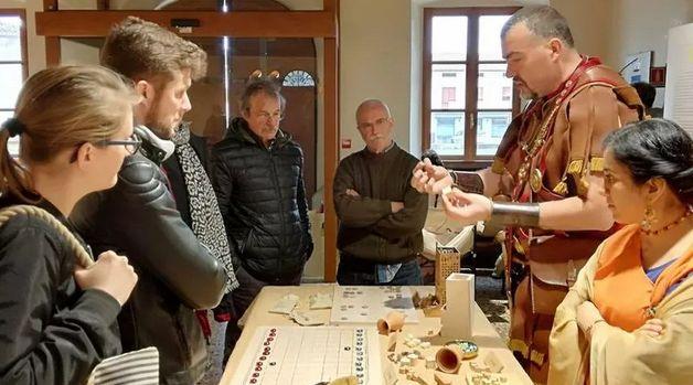 SEQUALS (Pn). A villa Savorgnan riproposti i giochi da tavolo romani.