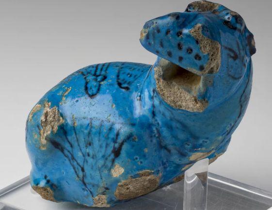 EGITTO ANTICO. Le figurine di ippopotamo in fayence.