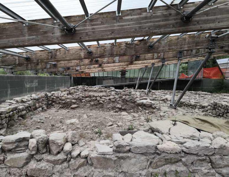 OVARO (Ud). Chiesa di San Martino, verso la conclusione dei lavori nell'area archeologica.